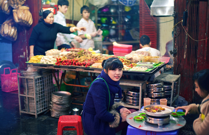 Street food à Hanoi. © Maxime Guilbot