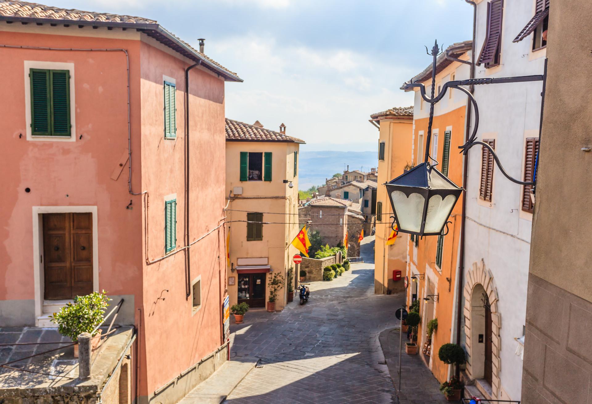 C'est à Montalcino que l'on produit l'un des meilleurs vins italiens: le Brunello di Montalcino»