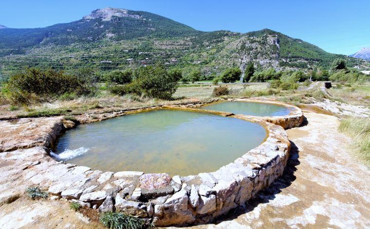 7 sources d'eau chaude gratuites (ou presque) en France