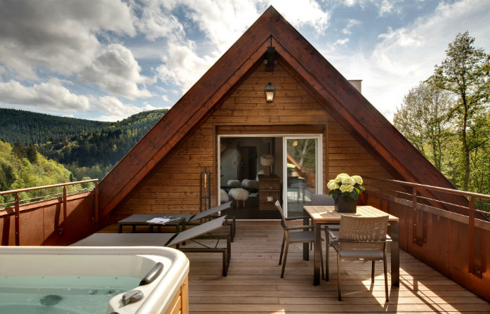 Séjour dans une demeure millénaire avec vue sur le lac d