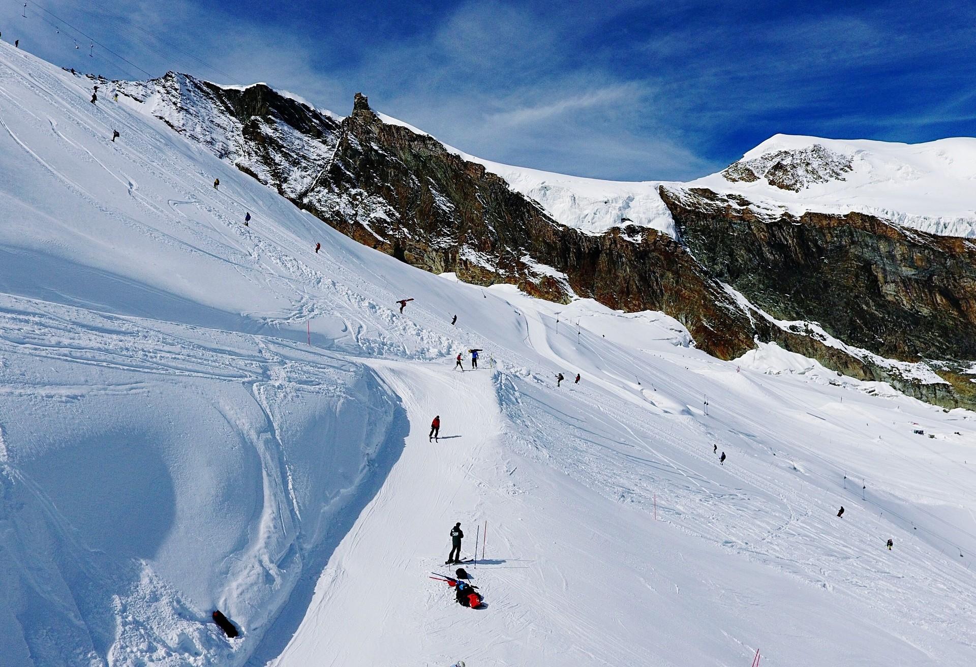 Lancez-vous sur le glacier de Saas-Fee pour une expérience au top