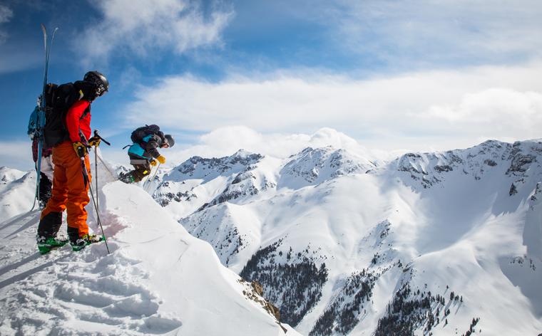 Ski pas cher: 9 destinations qui rivalisent avec les Alpes