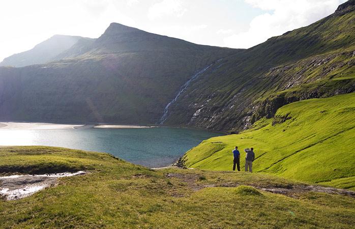 Les îles Féroé possèdent des paysages luxuriants que l'on ne trouve nulle part ailleurs © Stig Nygaard