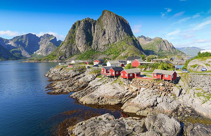 Laissez libre cours à votre imagination dans le décor féerique des îles Lofoten en Norvège