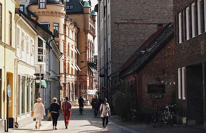 Promenez-vous dans les rues de la deuxième plus ancienne ville de Suède, Lund