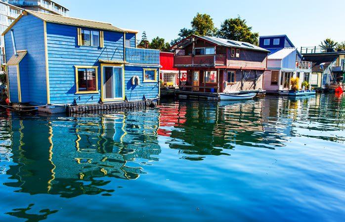 Rendez-vous sur le quai Fisherman's Wharf à Victoria, CB, Canada © Tourism Victoria
