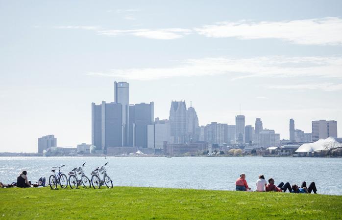 Vue sur Detroit depuis le parc de Belle Isle